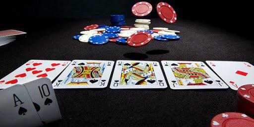 Keunggulan Bermain Poker Online Via Pulsa Dengan Mudah